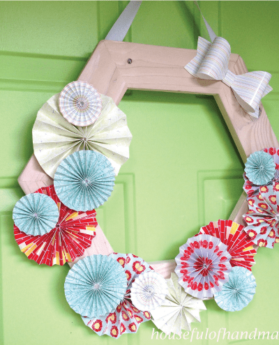 Beautiful wood and paper wreath tutorial from Houseful of Handmade.