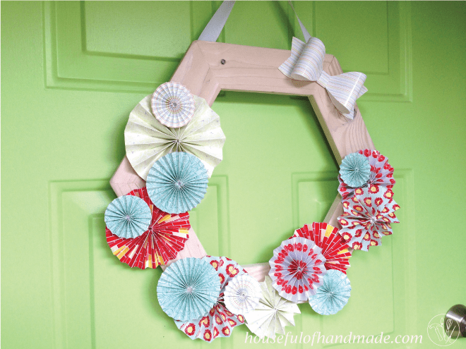 Beautiful & easy wood and paper wreath tutorial from Houseful of Handmade.
