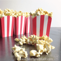 10 Minute Soft & Chewy Caramel Popcorn
