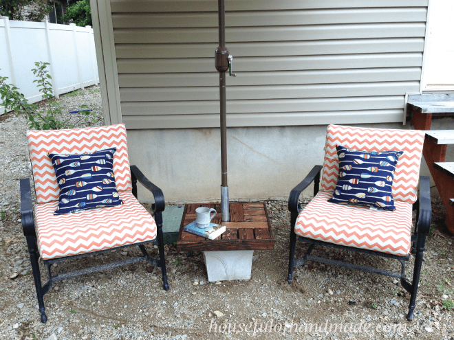 Make Your Own Umbrella Stand With A Side Table For Cheap. Makes The Perfect  Seating