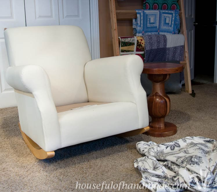 For only $5 and in less than a day, you can transform a chair and give it new life. Tutorial on Houseful of Handmade.