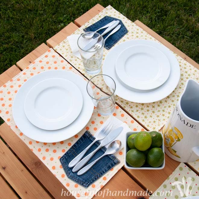 Easy Picnic Placemats with a Napkin Pocket