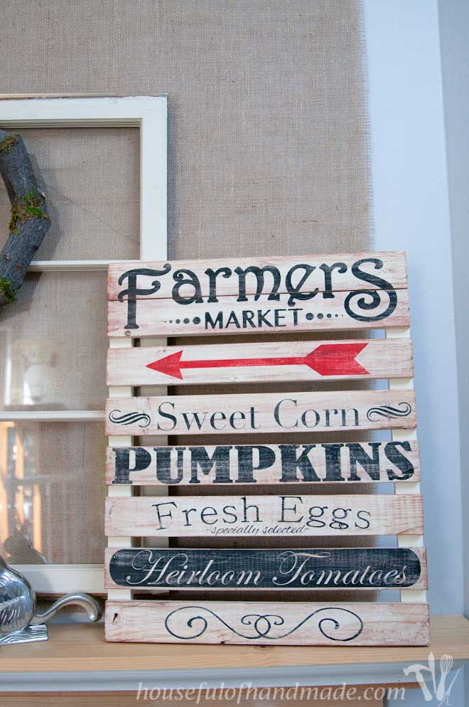 I love this simple, rustic fall mantle. Includes links to tutorials for each part of the mantle. From Houseful of Handmade.