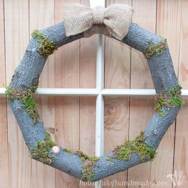 Woodsy Fall Log Wreath