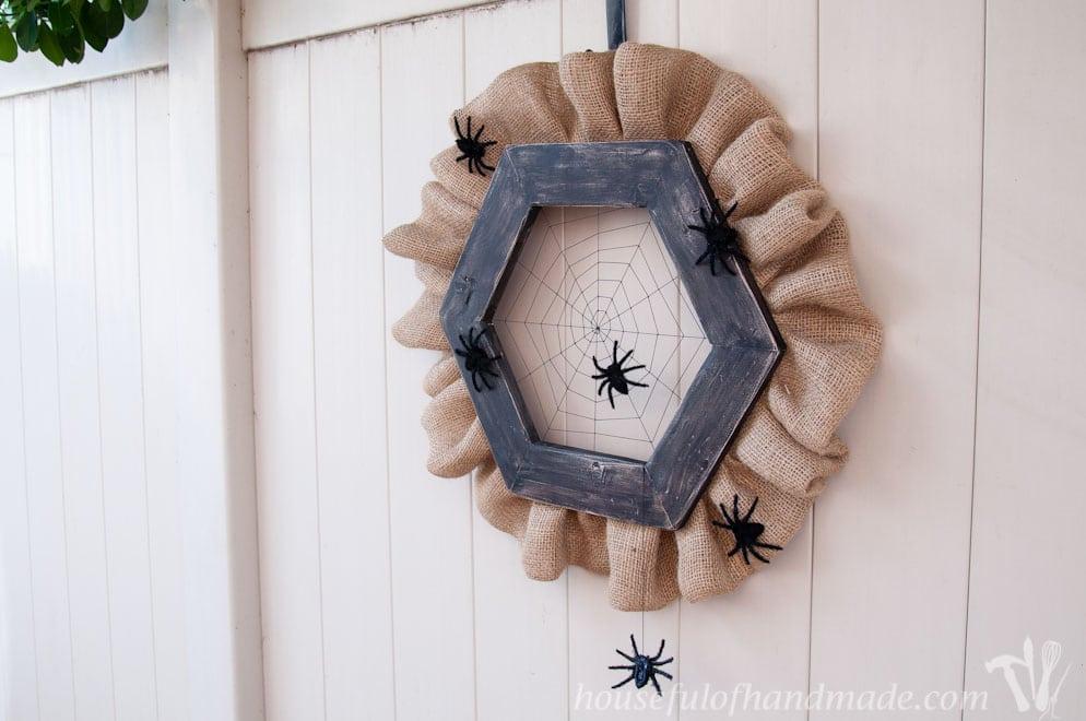 Spider web wreath DIY