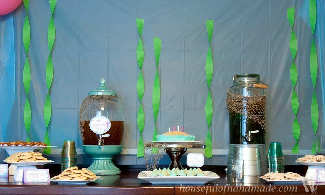 Table full of mermaid themed food