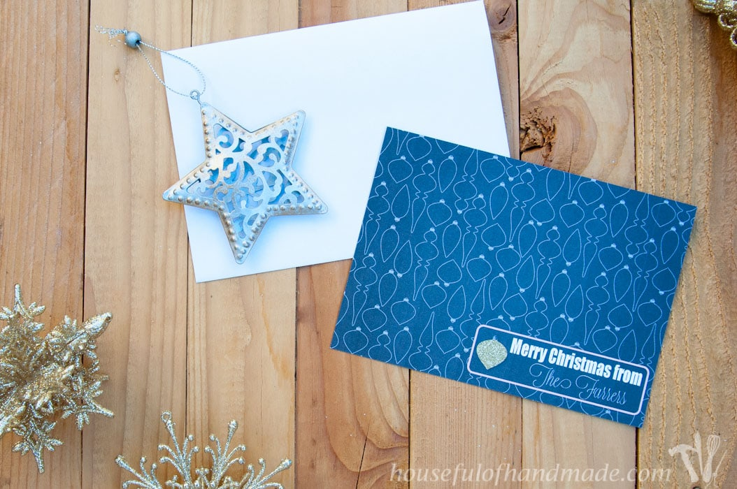 Make your own amazing Christmas cards this year. Use this free customizable Christmas card template to help you get the designer card look on a budget. | HousefulofHandmade.com