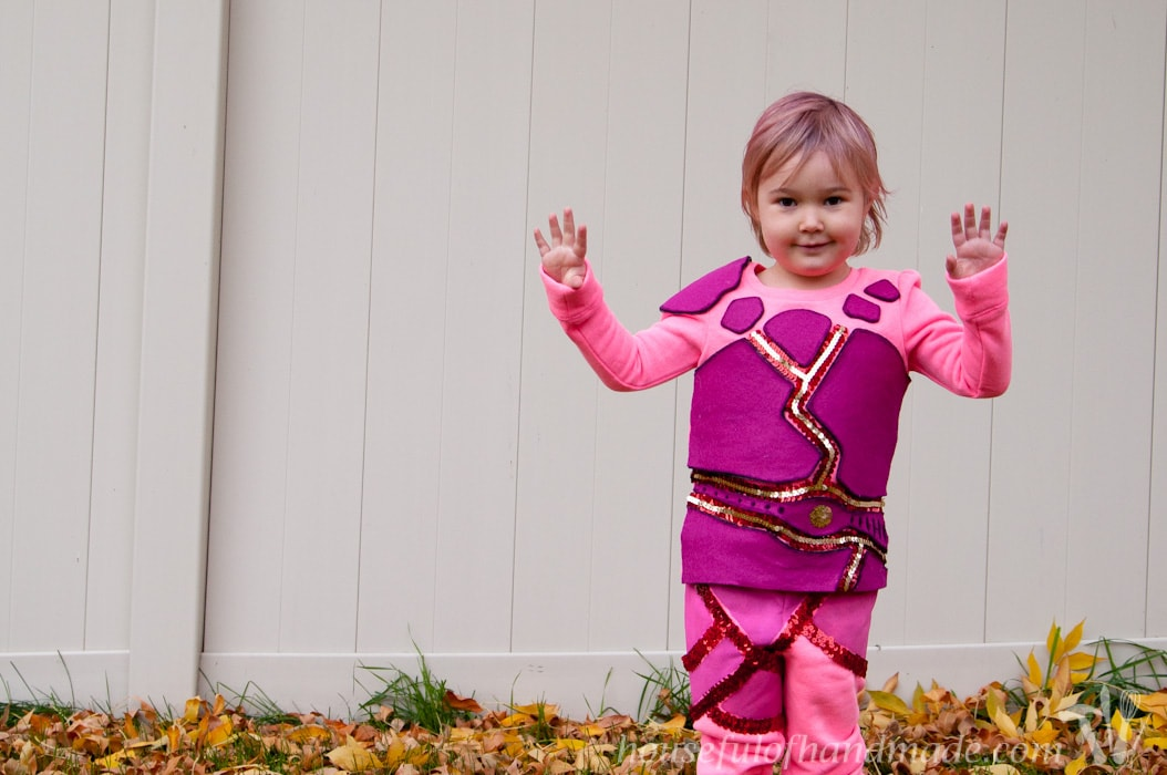 Homemade Halloween costumes are the best! I use a few key techniques almost every year for our Halloween costumes. See how I made these awesome Sharkboy and Lavagirl Halloween costumes for my kids. | HousefulofHandmade.com