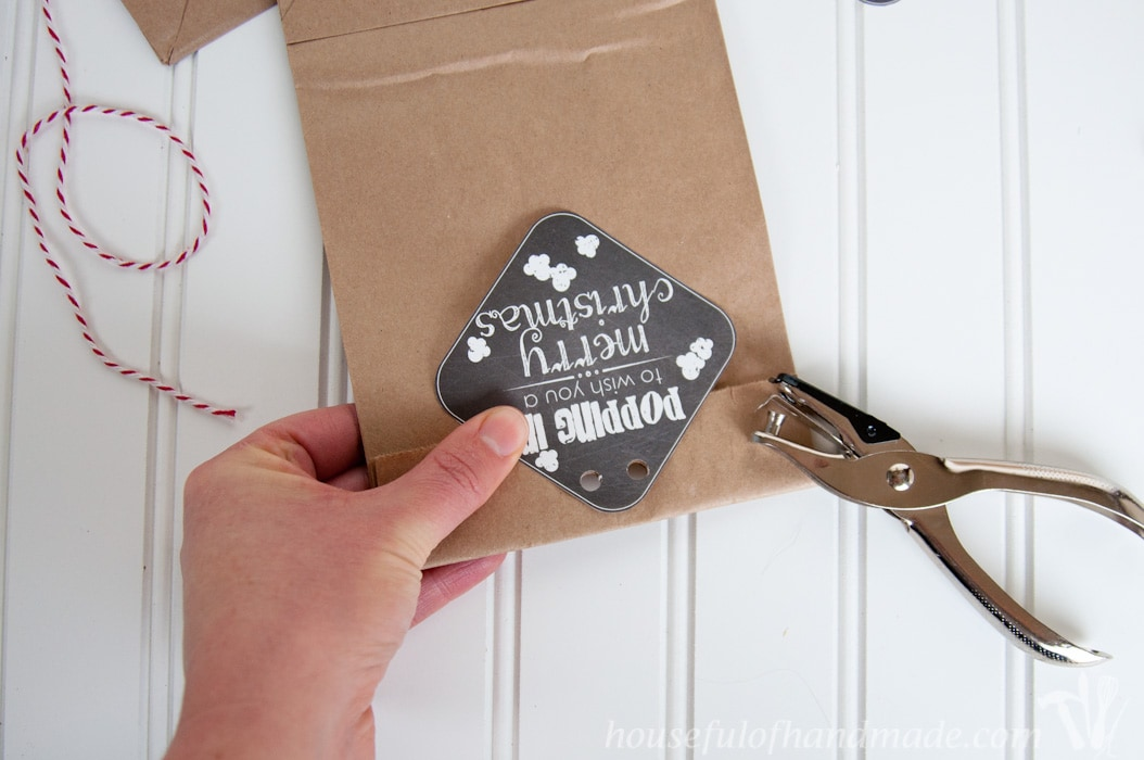 Use these printable popcorn gift tags for Christmas this year.
