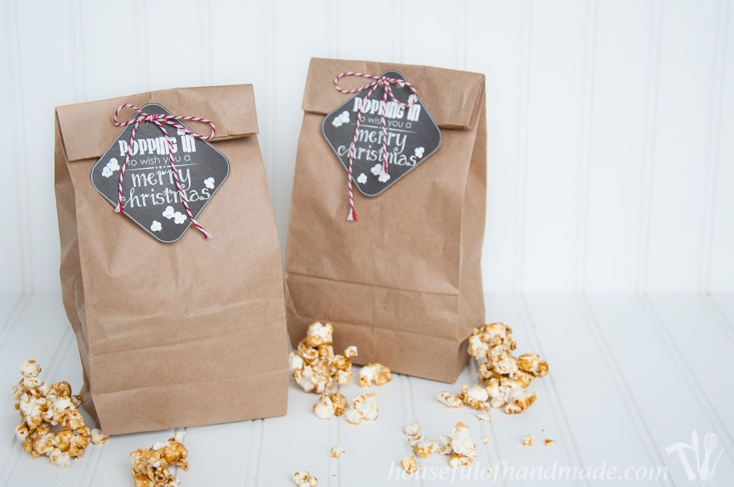 Give your neighbors and friends a sweet treat with these Popping In printable Christmas gift tags.