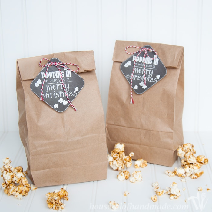Gift the gift of popcorn this Christmas with these adorable Popping In free printable tags for Christmas. | Housefulofhandmade.com