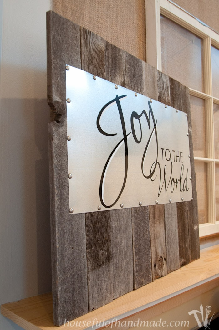 Make this beautiful sign from Reclaimed wood and steel. It's so easy to put together and can easily be changed out for the next season. | Housefulofhandmade.com