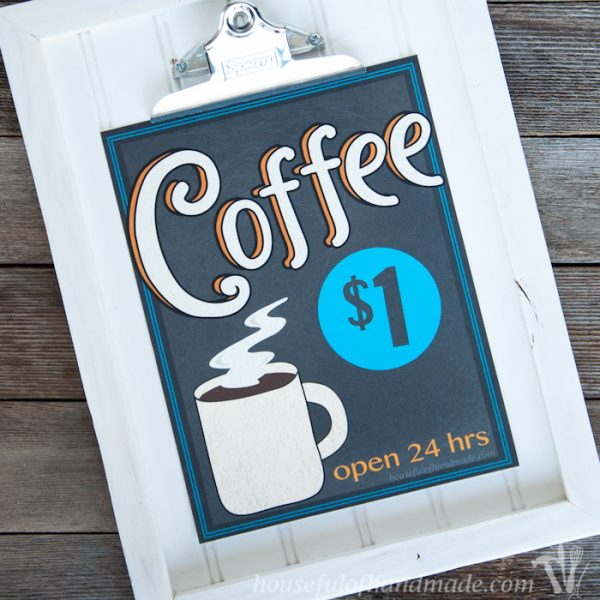 I love vintage coffee signs. Celebrate your love of coffee with this free printable vintage inspired coffee sign. Perfect for decorating a coffee bar or dinning room. | Housefulofhandmade.com