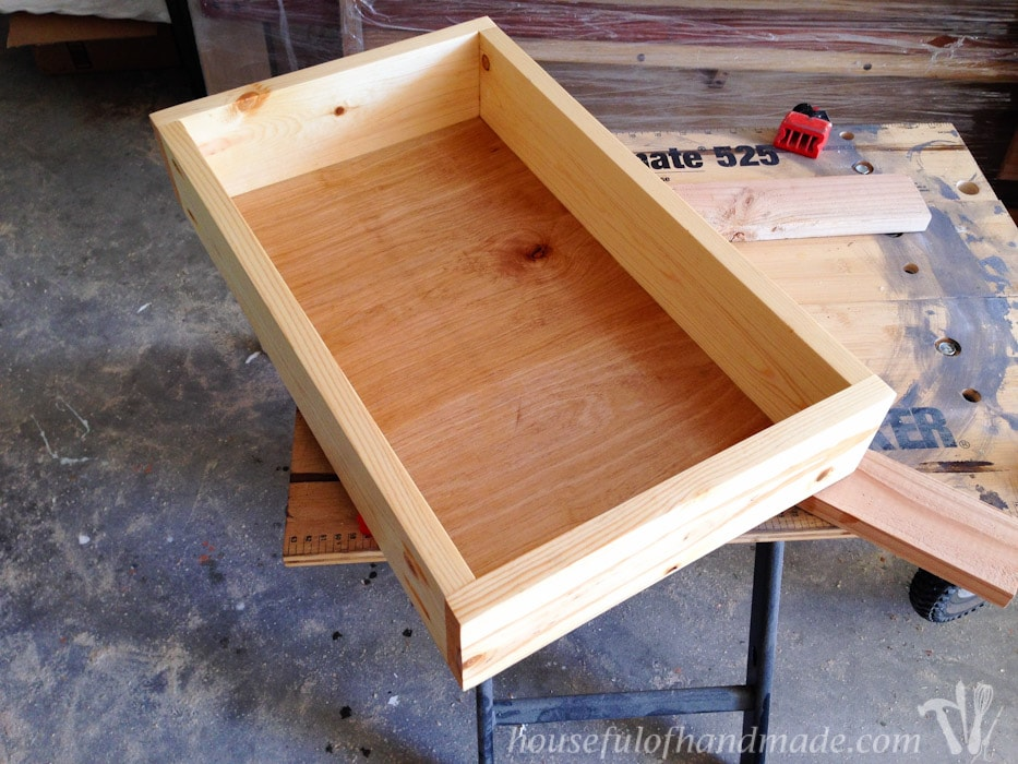 Don't be afraid of building furniture with drawers like I was? I show you how to make and install drawers that actually work. And it's easy! | Housefulofhandmade.com