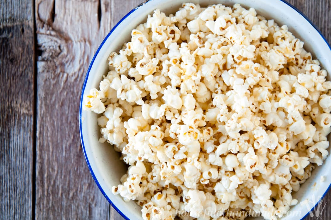 For something super easy and absolutely delicious, you have to try this Brown Butter & Honey Popcorn. The brown butter adds a rustic nuttiness to the popcorn and the honey adds a little sweetness.   Housefulofhandmade.com
