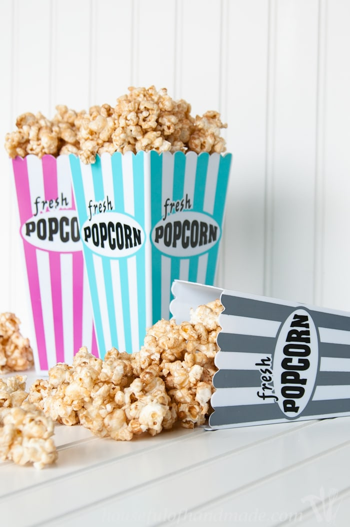 Bring your favorite carnival treat to movie night with this fun churro caramel popcorn. A super quick and easy recipe! | Housefulofhandmade.com