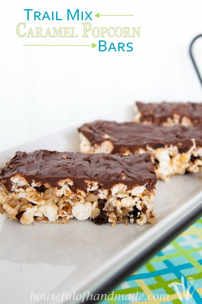 Make your caramel popcorn portable with these fun and easy trail mix caramel popcorn bars. Perfect for a grab-n-go treat! | Housefulofhandmade.com