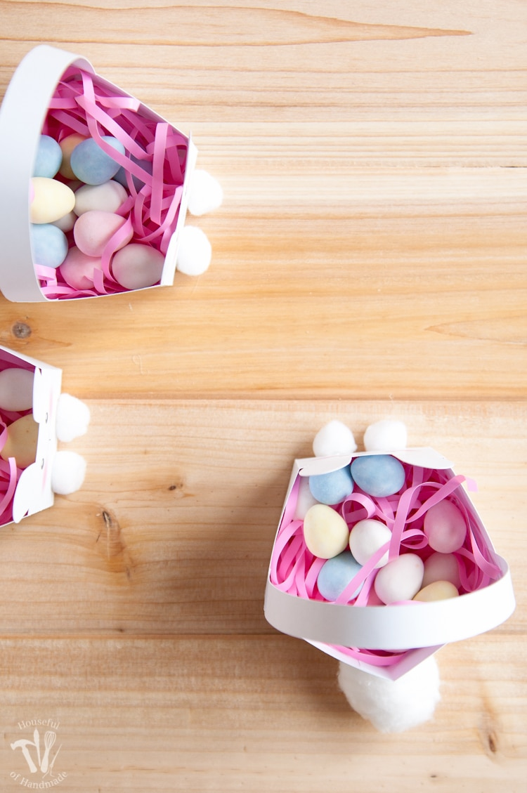 Free printable easter baskets in the shape of bunnies.