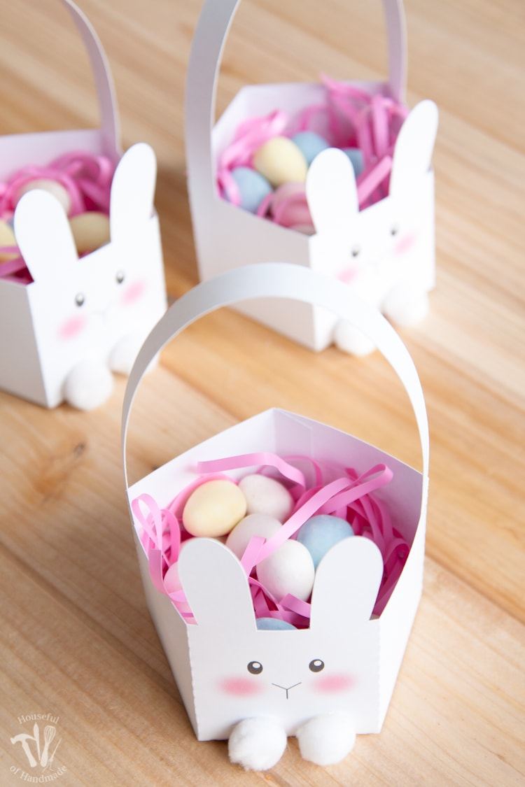 Make Easter baskets shaped like bunnies with this free printable!