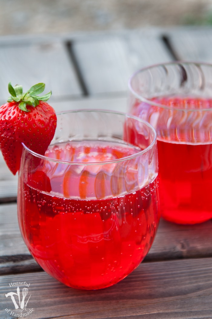 This is my new favorite flavored water recipe! This strawberry hibiscus sparkling water is so refreshing and perfect for summer.   Housefulofhandmade.com