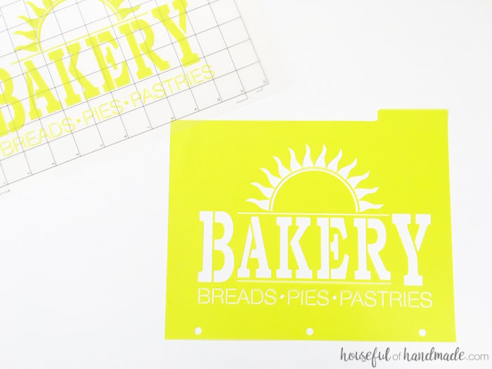 I want to make a bunch of these tea towels for gifts! These easy to make DIY bakery tea towels are a great way to add vintage charm to your kitchen or to give as gifts. Learn how to make a plastic stencil with your Silhouette to paint on inexpensive store bought flour sack towels. | Housefulofhandmade.com