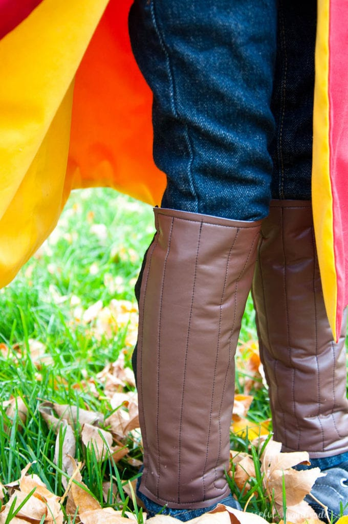 I want this costume for myself! Turn a simple robe pattern into a Harry Potter Quidditch Robes halloween costume with a couple easy adjustments. Also make your own Gryffindor house patch, arm and leg pads, and a Nimbus 2000 so you are ready for the big game.   Housefulofhandmade.com
