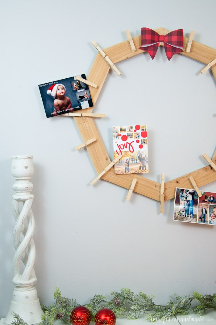 diy wood christmas card wreath on wall