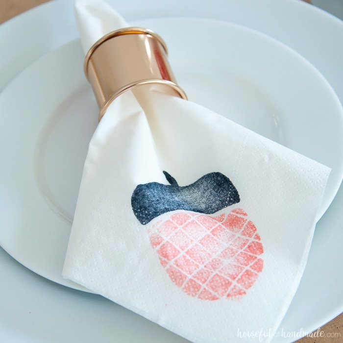 This is so awesome! Create custom foam stamps with your Silhouette cutting machine. Then use these DIY stamps to make homemade decorative napkins for holidays, weddings, parties and so much more! | Housefulofhandmade.com