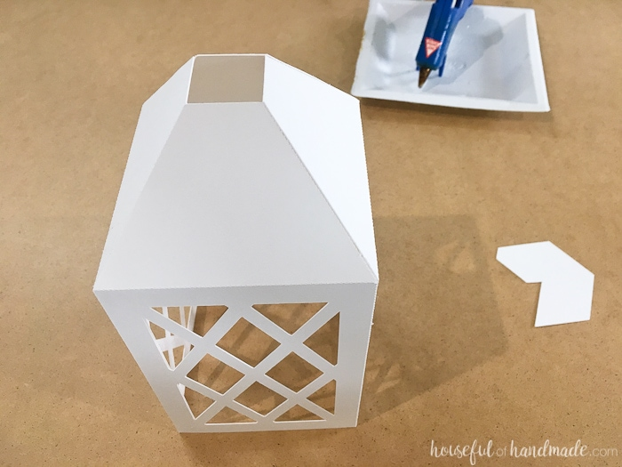 How to Make DIY Paper Lanterns Decor | Paper crafts | Silhouette Cameo craft | DIY Home Decor | Budget Home Decor | Easy Paper Decor | Farmhouse Decor | Farmhouse Style | Rustic Decor | Decorating on a Budget | Free Printable | Free Download | Housefulofhandmade.com