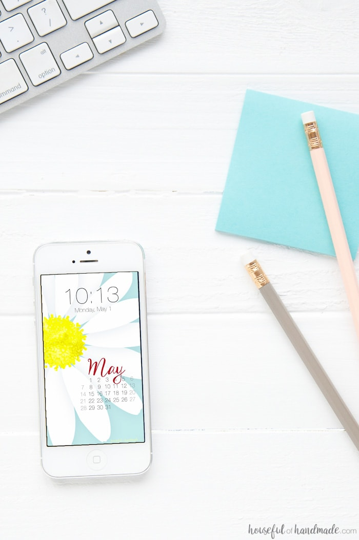 Add a little spring to your desktop and smartphone with these free digital backgrounds for May. A bright daisy print is perfect to chase away the cold weather. Includes a calendar option to help stay organized too. Housefulofhandmade.com   Digital wallpaper   Surface Pattern   Daisy Print   iPhone Background   Computer Background