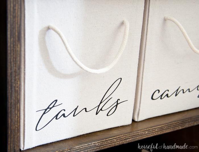 I love these walk in closet organization ideas. Lots of beautiful closet organization ideas on a budget. Housefulofhandmade.com