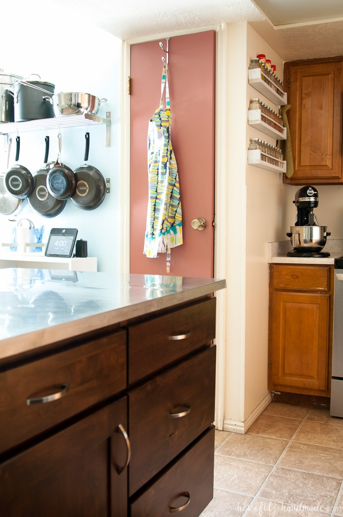 Love to see inside other people's homes? The Room by Room summer series is your opportunity to tour your favorite bloggers' homes one room at a time. Come see our summer kitchen & dining room tour. Housefulofhandmade.com | Summer Home Tour | Kitchen Remodel Plans | Dining Room Remodel | Dining Room Storage Ideas | Summer Decor Ideas