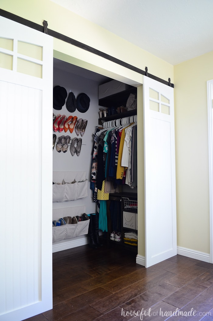 DIY barn doors are perfect for the closet. Get the sliding barn doors build plans from Housefulofhandmade.com
