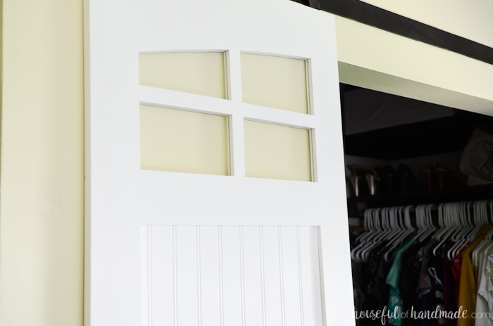 Beautiful windows are perfect for the farmhouse style sliding barn doors. Update your closet with these easy to build barn doors. Housefulofhandmade.com