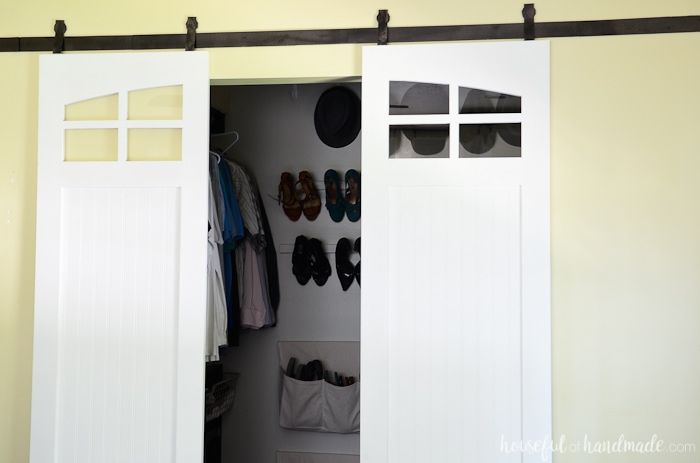 Add farmhouse style to your home with these sliding closet barn doors. Get the free build plans from Housefulofhandmade.com