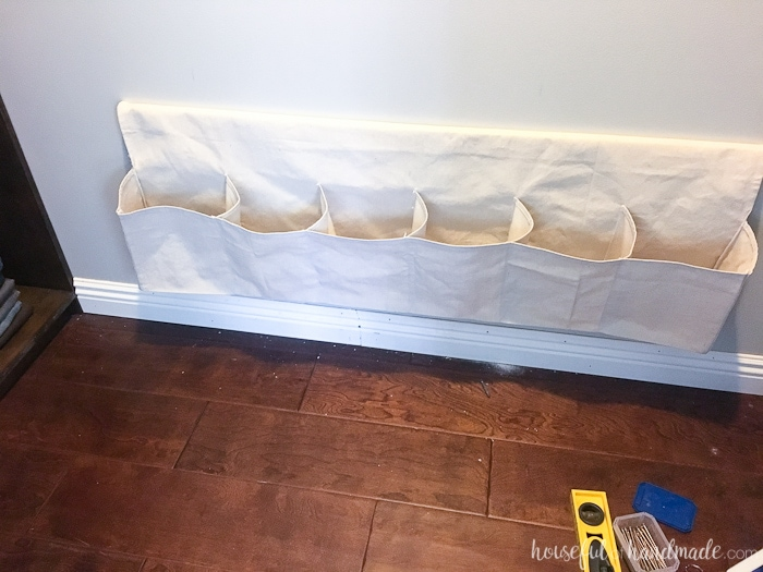 Go vertical with your shoe storage! Get all the shoes off the floor with these hanging shoe storage ideas. Housefulofhandmade.com
