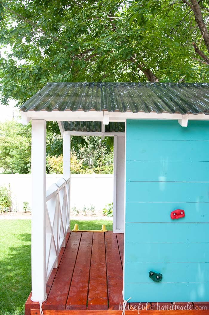 How to build a DIY playhouse. Get all the details including build plans, materials list, cost, and step-by-step tutorials. Housefulofhandmade.com