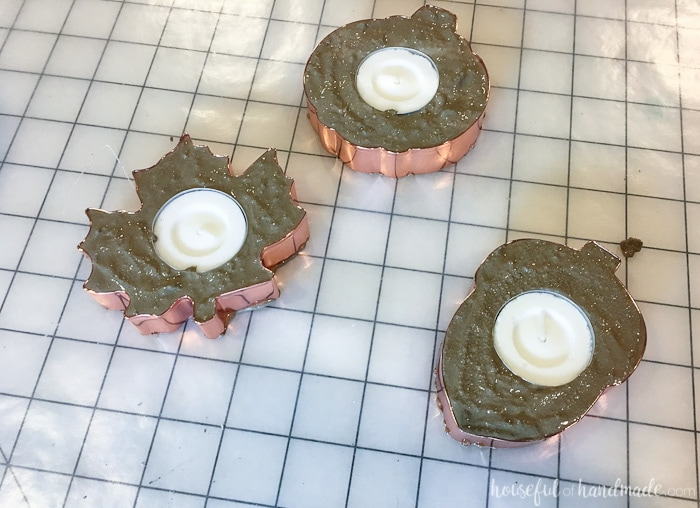 Decorate for fall with these easy to make copper candle holders. They would be perfect for hostess gifts too. Housefulofhandmade.com