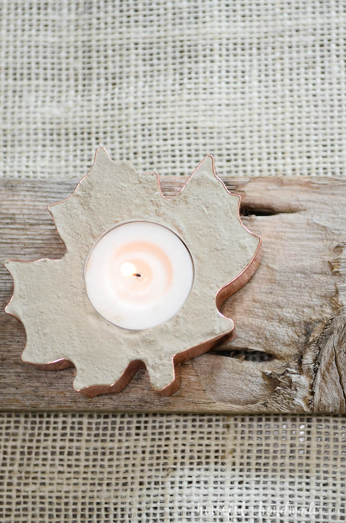 Concrete and copper are the perfect combination for fall. Learn how to make these easy DIY concrete candles on Housefulofhandmade.com