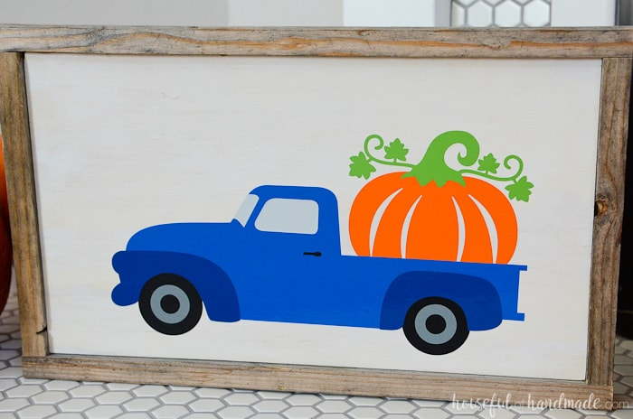I love this whimsical fall sign! The pumpkin truck is perfect for autumn. Get the easy wood pumpkin sign tutorial from Housefulofhandmade.com.