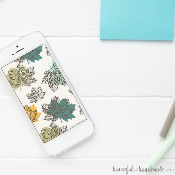 I love downloading new free digital wallpaper for my cell phone every month. These October backgrounds are my favorite! Housefulofhandmade.com