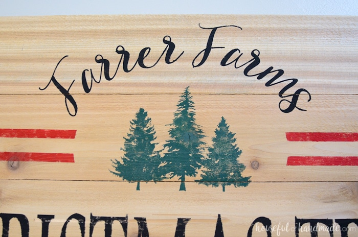 I love this custom Christmas tree farm sign. It is so easy to make, you can easily make your own for less than $20. Housefulofhandmade.com
