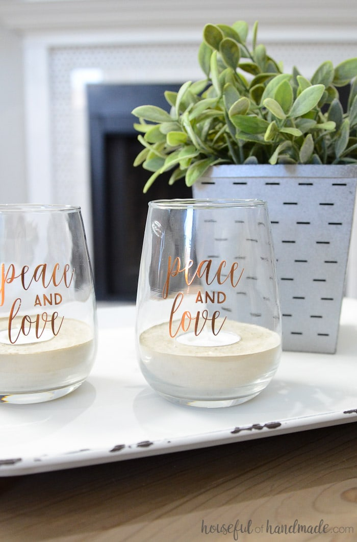 If you love candles you are going to love these concrete tea light candle holders! They are the perfect way to add even more sparkling candlelight to your home. And you can use this easy tutorial to turn any pretty jars you have lying around into beautiful concrete candle holders. Housefulofhandmade.com