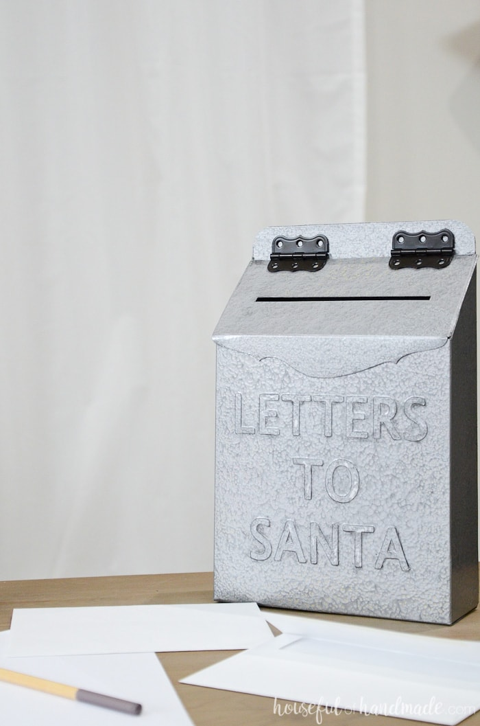 I love this cereal box upcycle! Create a vintage Letters to Santa mailbox for your Christmas decor. Housefulofhandmade.com