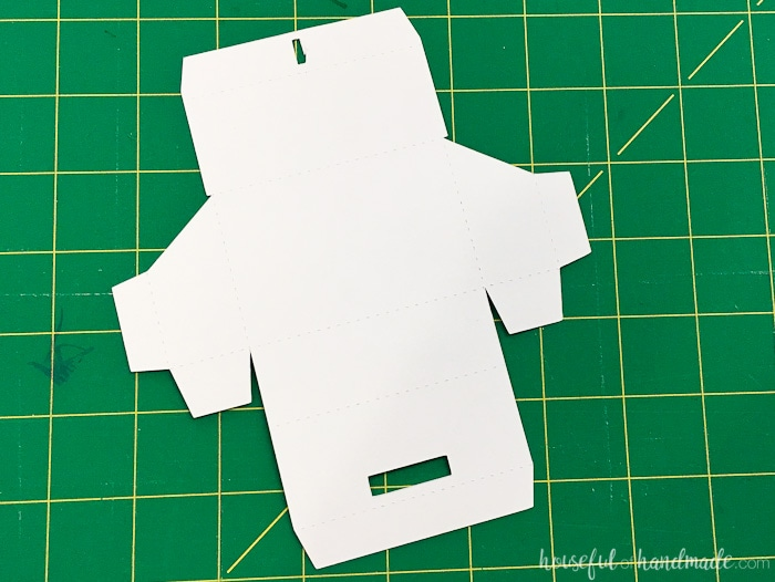 Use this free cut file for to make a refillable rustic advent calendar this year. Housefulofhandmade.com