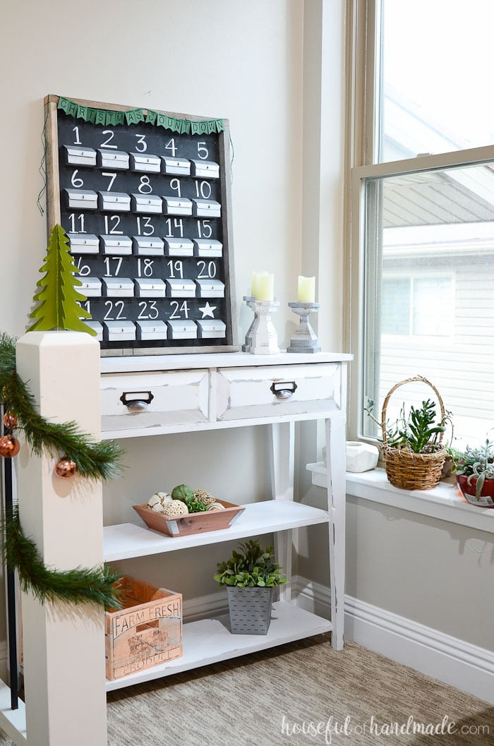 I love this homemade advent calendar. It is made out of paper and you can fill your own advent calendar every year. Housefulofhandmade.com