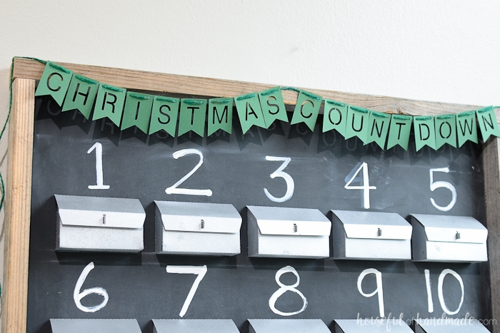 Celebrate a beautiful rustic Christmas advent calendar with this free cut file. Perfect Christmas Silhouette Cameo project. Housefulofhandmade.com