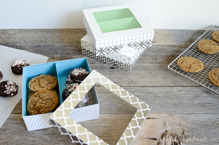 Deliver your handmade Christmas goodies in style with these easy Cookie gift boxes. They are easier (and faster) to make than a box of brownies! Housefulofhandmade.com