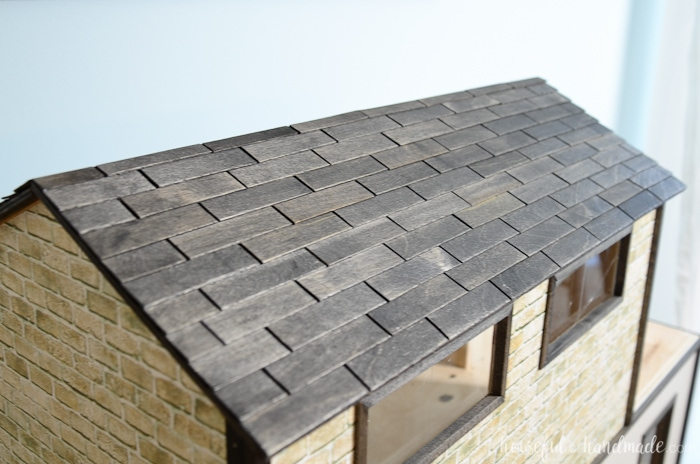 This dollhouse exterior is stunning and so easy to do on a budget. I love the shingles on the roof. Housefulofhandmade.com