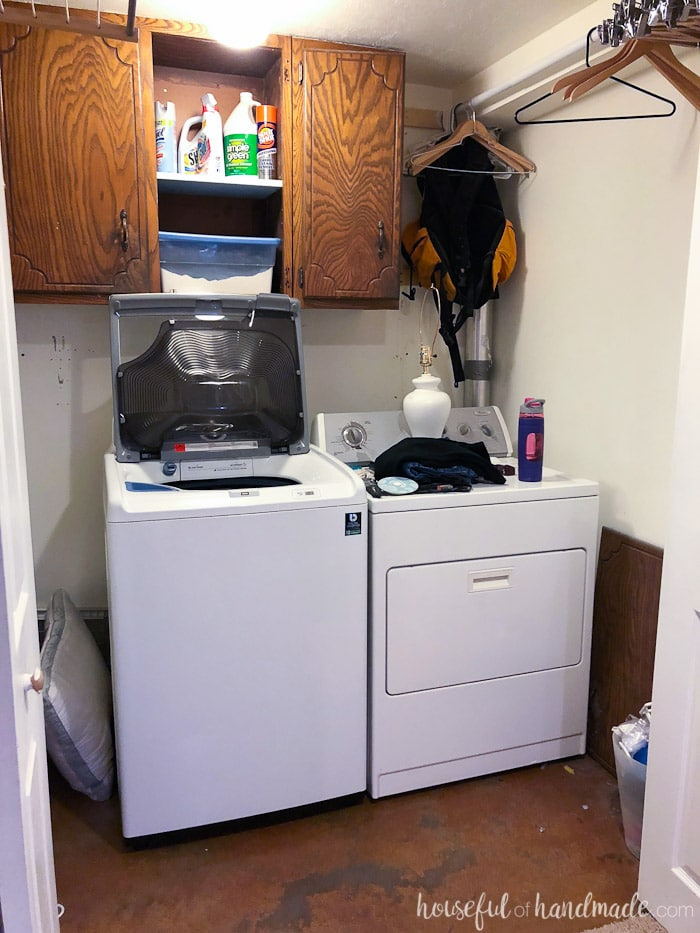 I can't wait to see how this $100 laundry room makeover turns out. Follow along as we transform it into a modern farmhouse laundry room. Housefulofhandmade.com